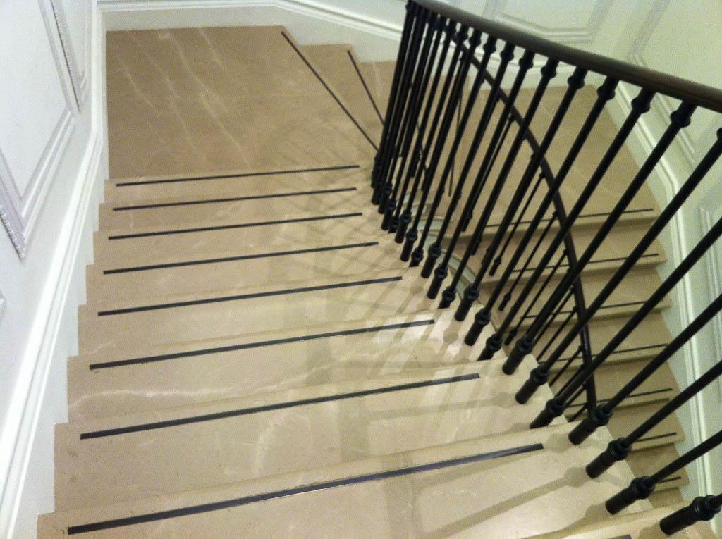 Λυγουριό σκούρο μαρμάρινη σκάλα