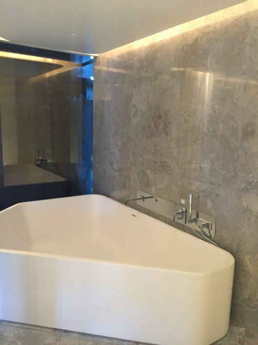 Επένδυση μπάνιου με μάρμαρο Palladion Light - Marmyk