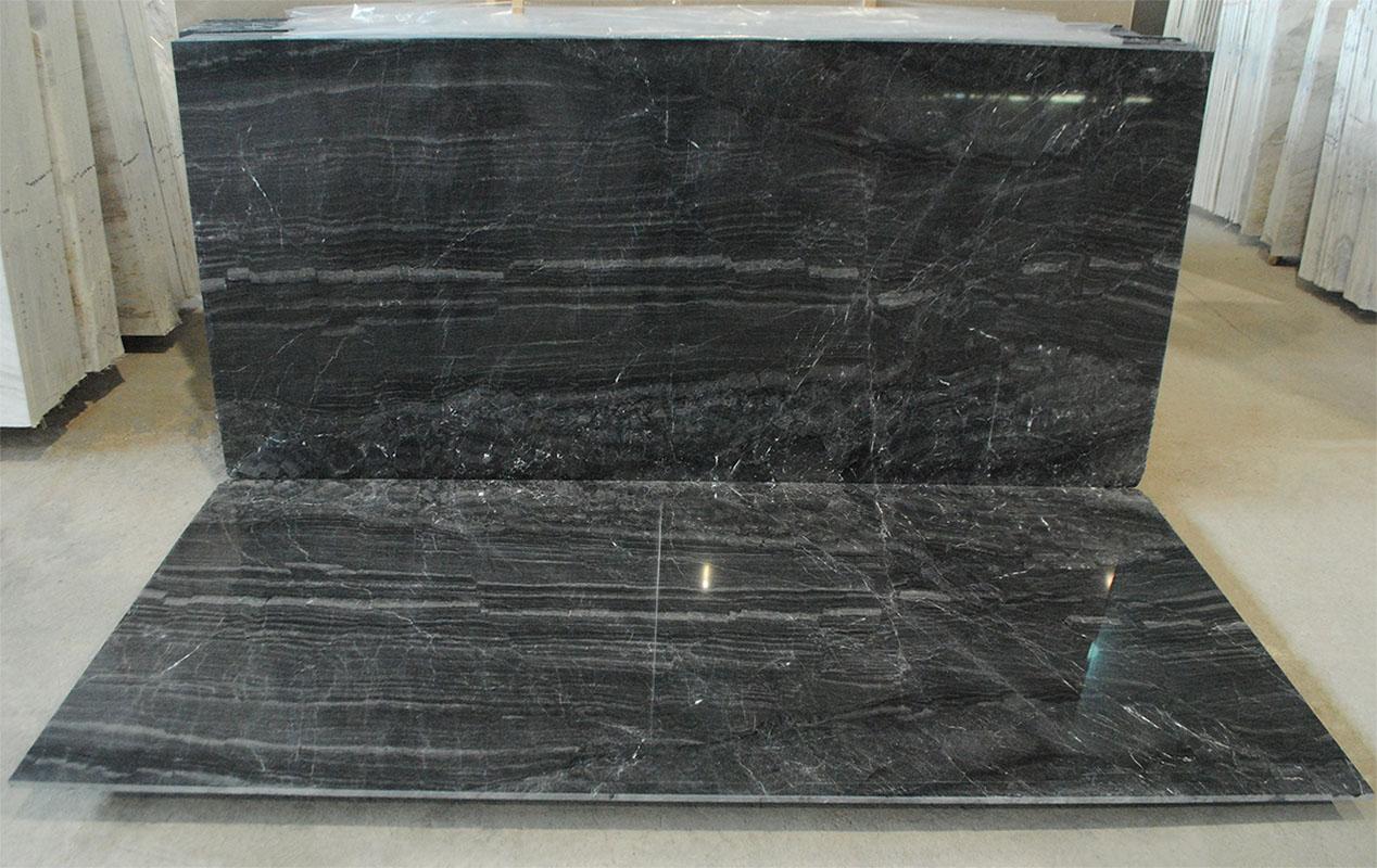 μαύρο μάρμαρο ριγωτό bookmatced